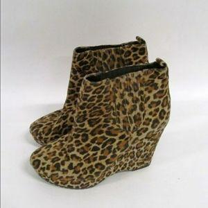 BCBGeneration Women's Cheetah Wedge Heels Sz 7.5B